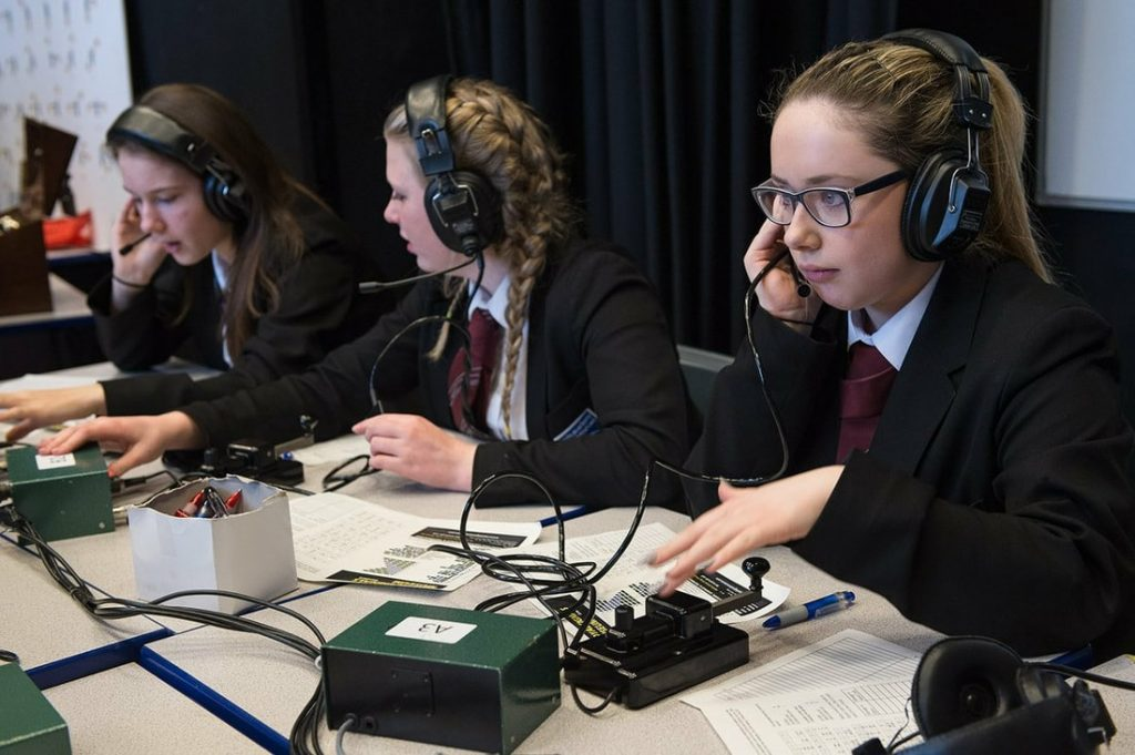 Girls communicating via Amateur Radio ARISS